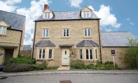 Beecham Close Cirencester Gloucestershire GL7 Image 17
