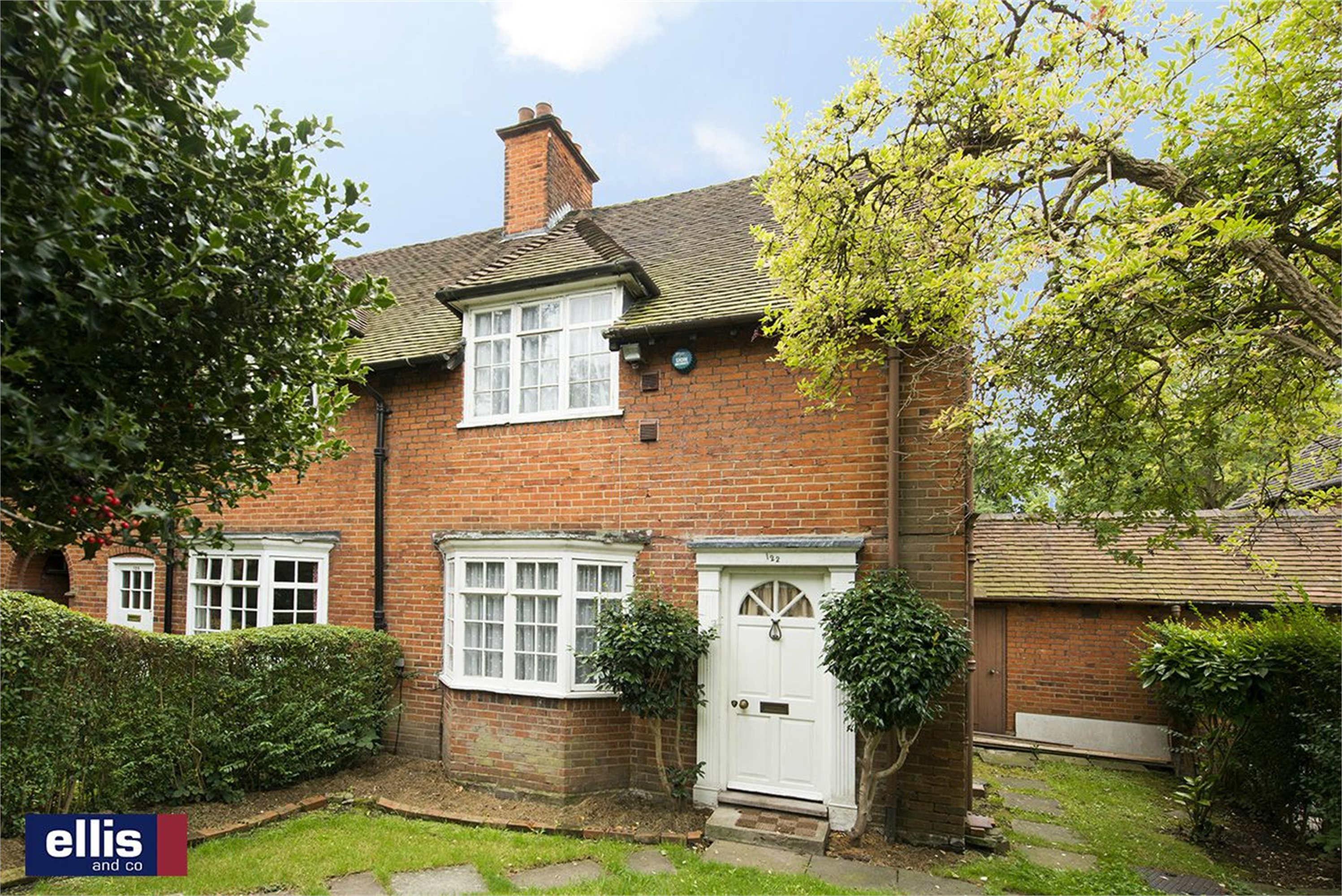 3 Bedroom Cottage For Sale In Falloden Way Hampstead