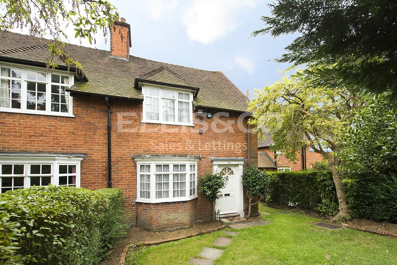 3 Bedrooms Property for sale in Falloden Way Hampstead Garden Suburb London NW11