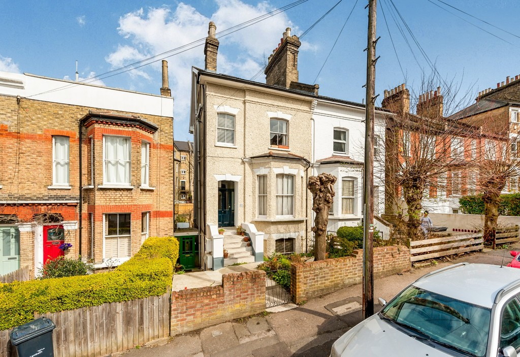 2 Bedrooms Flat for sale in Woodland Road, Crystal Palace SE19