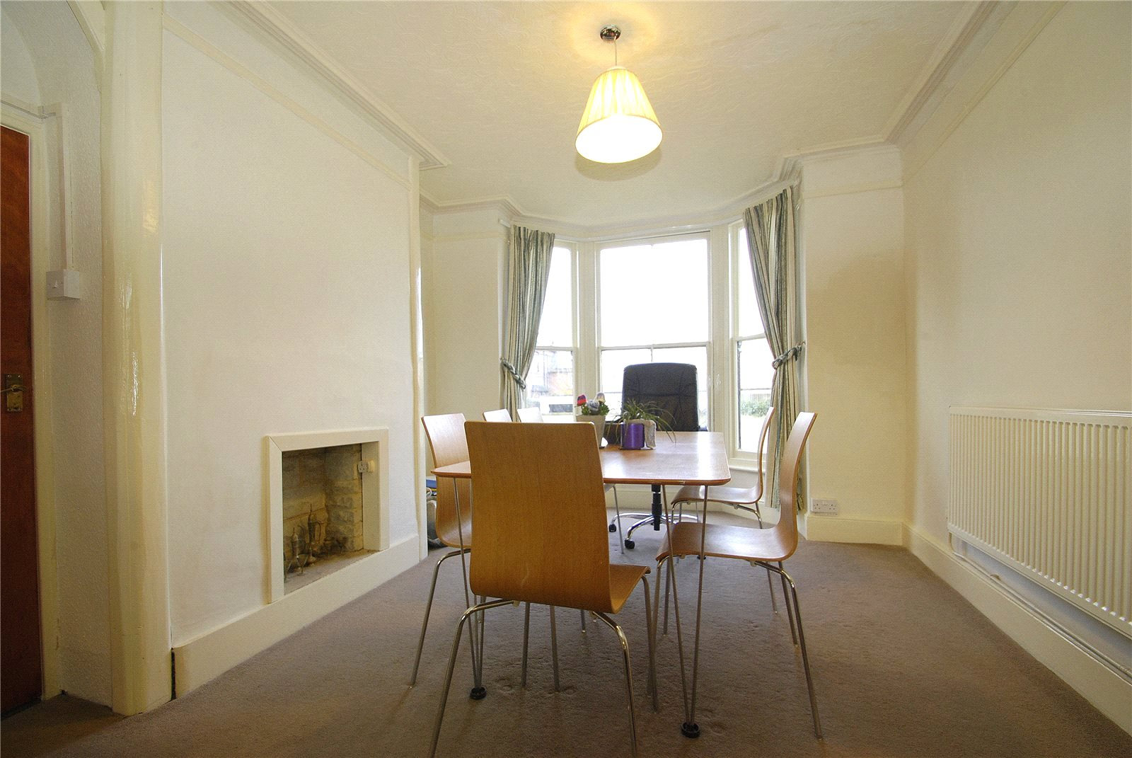 Cj Hole Gloucester 1 Bedroom Flat To Rent In London Road