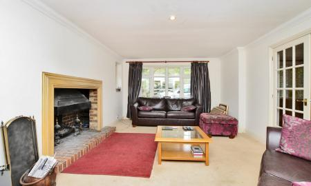 Curley Hill Road, Lightwater GU18 Image 13