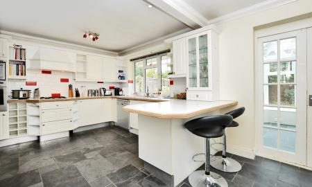 Curley Hill Road, Lightwater GU18 Image 7