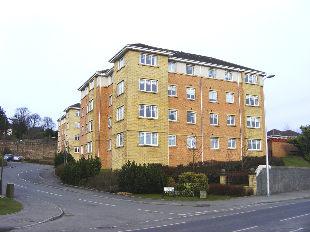 3 Bedrooms Apartment Flat for sale in Lindsay Gardens, Bathgate EH48