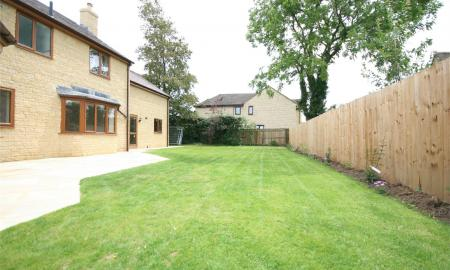 Lawrences Meadow Gotherington Cheltenham GL52 Image 19