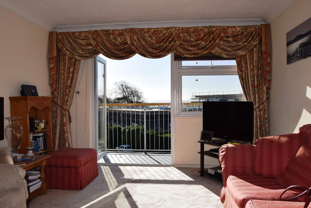 2 Bedrooms Apartment Flat for sale in Purbeck Heights BH14