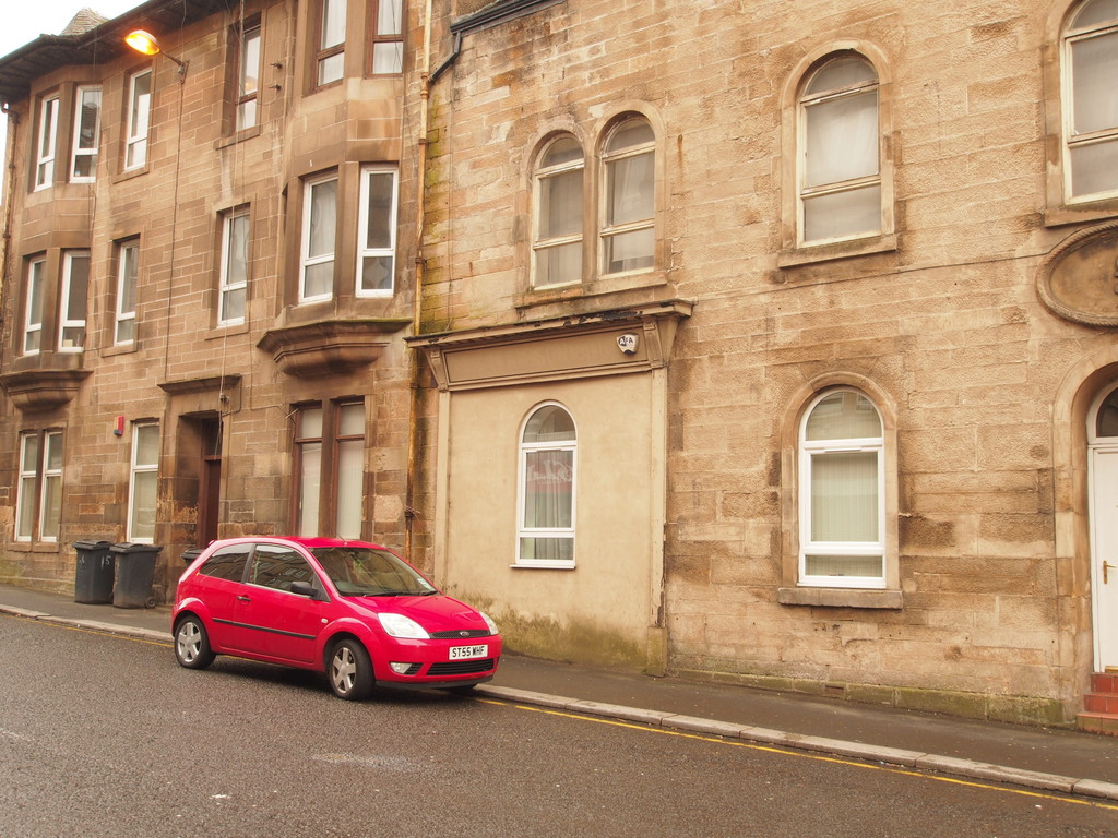 2 Bedrooms Apartment Flat for sale in Clavering Street, Paisley PA1
