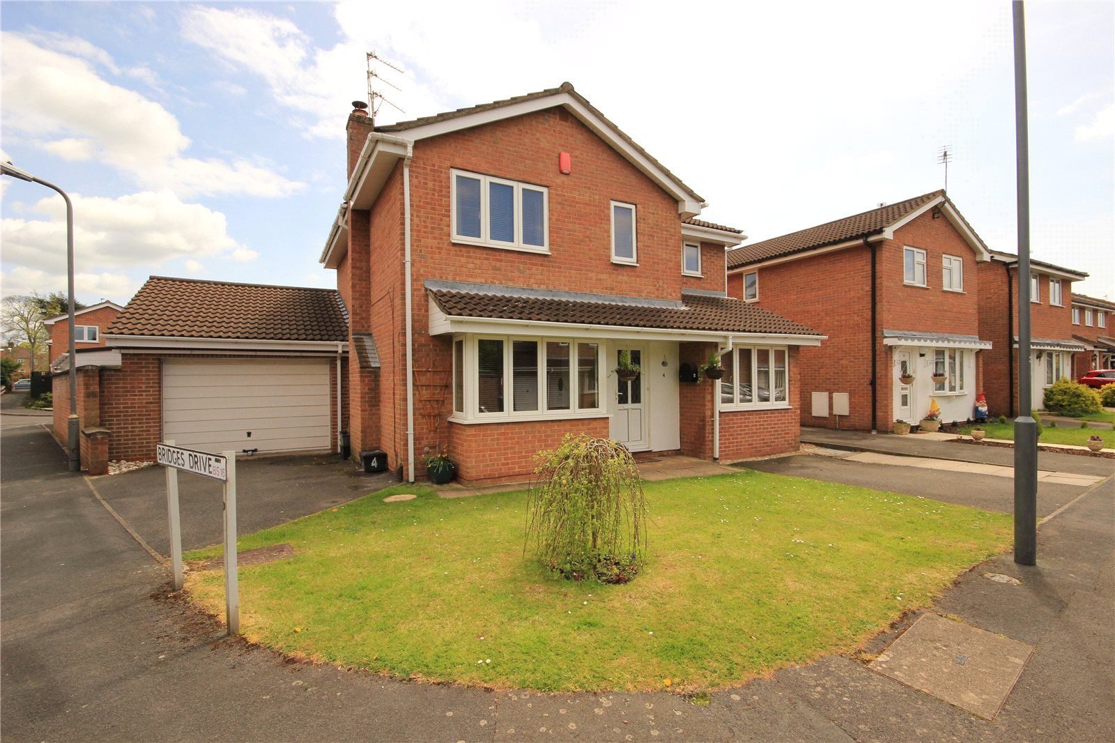 5 Bedroom House For Sale In Long Close Downend Bristol BS16 CJ Hole