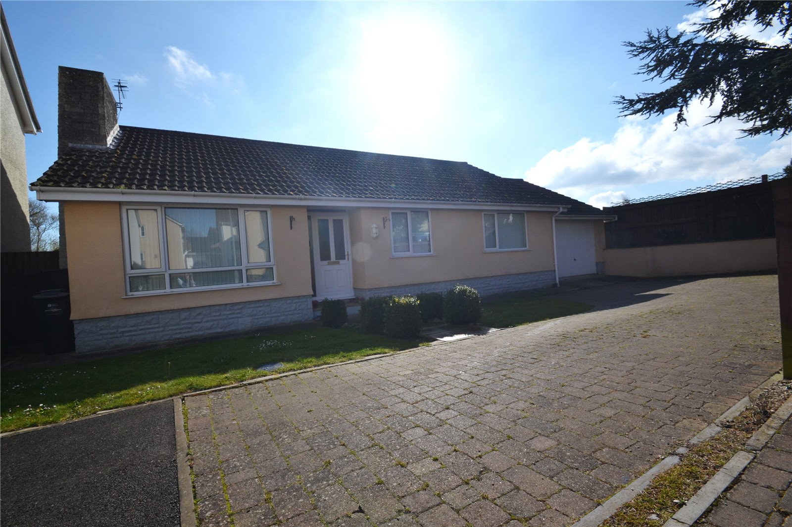 3 Bedrooms Bungalow for sale in Lonlay Mews Stogursey Bridgwater TA5