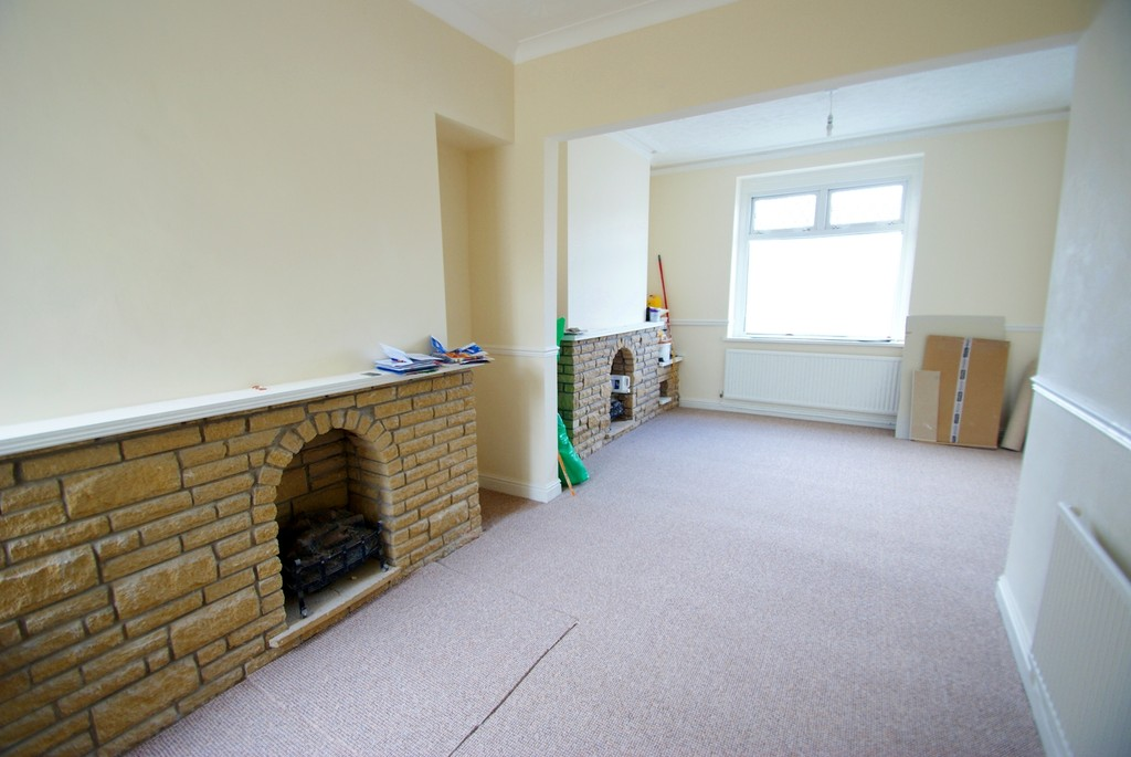 4 Bedrooms Terraced House for sale in Railway Terrace CF64
