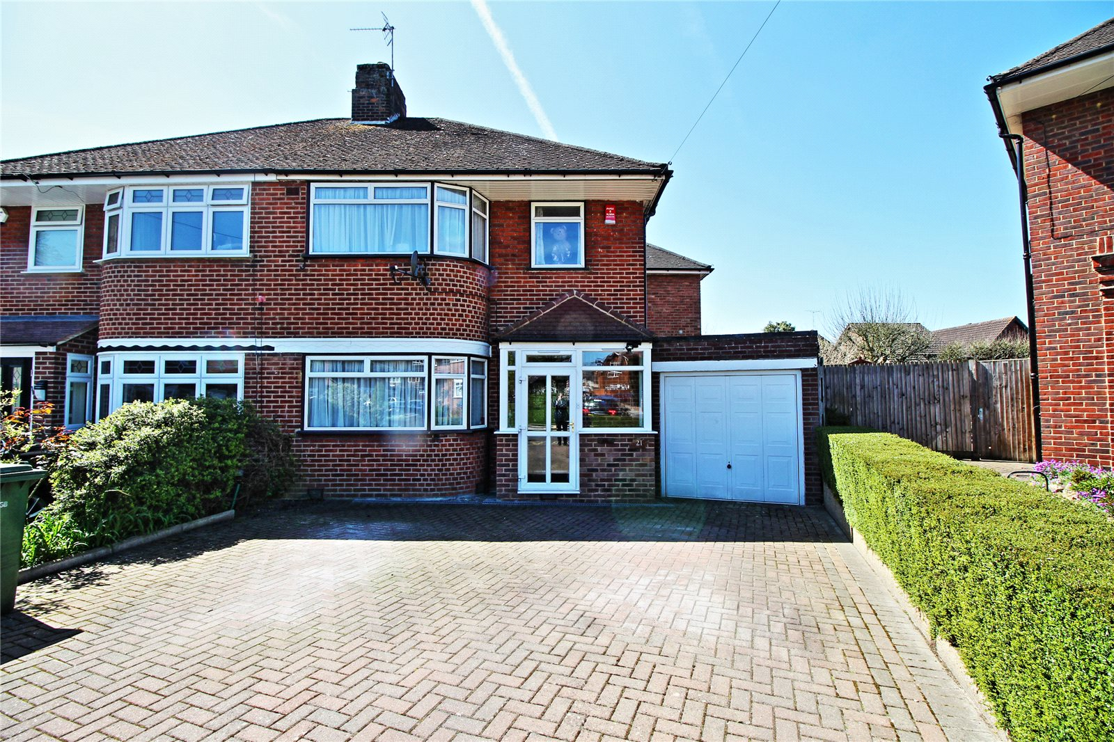 4 Bedrooms Semi Detached House for sale in Peters Close Stanmore Middlesex HA7