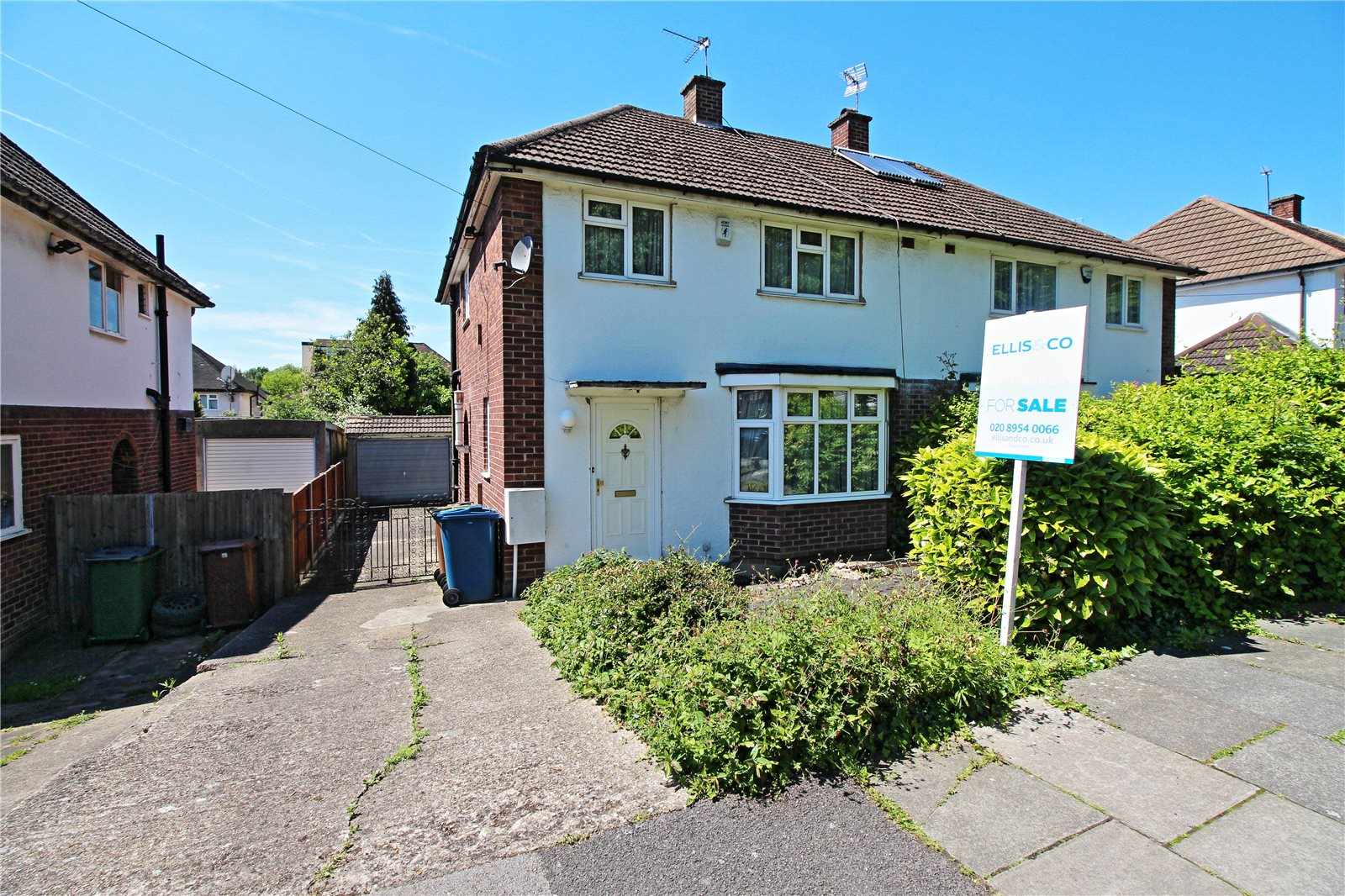 3 Bedrooms Semi Detached House for sale in Marsh Lane Stanmore Middlesex HA7