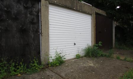 Photo of Studio bedroom Garages for sale