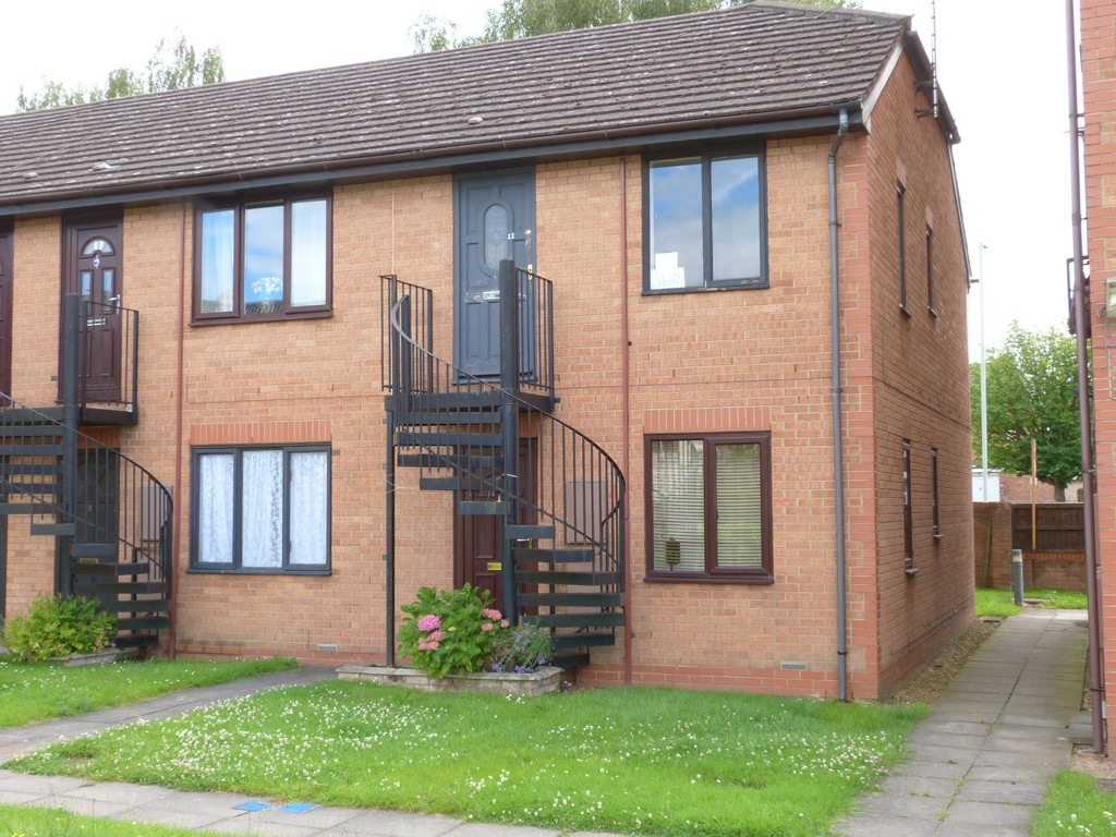 1 Bedroom Flat for sale in Chequers Road, Gloucester GL4