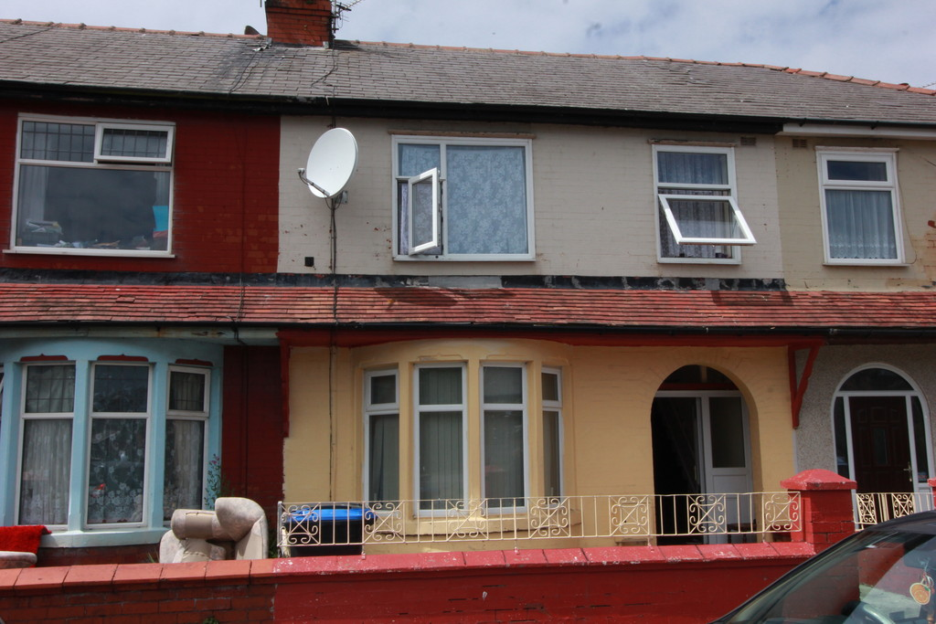 3 Bedrooms Terraced House for sale in Lune Grove, Blackpool FY1