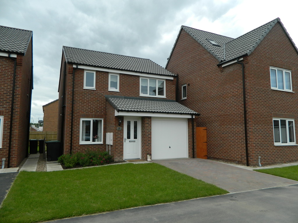 3 Bedrooms Detached House for sale in Ferrous Way, North Hykeham LN6