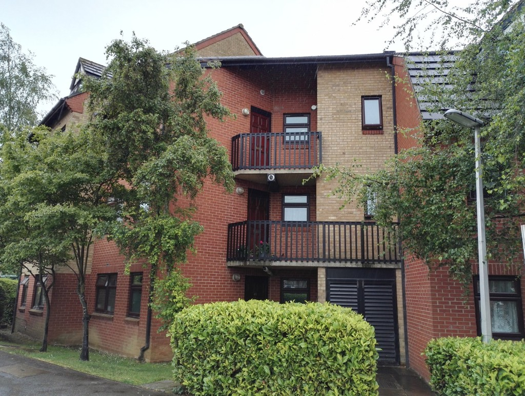 2 Bedrooms Flat for sale in Northumberland Court, 2 Duke Street OX16