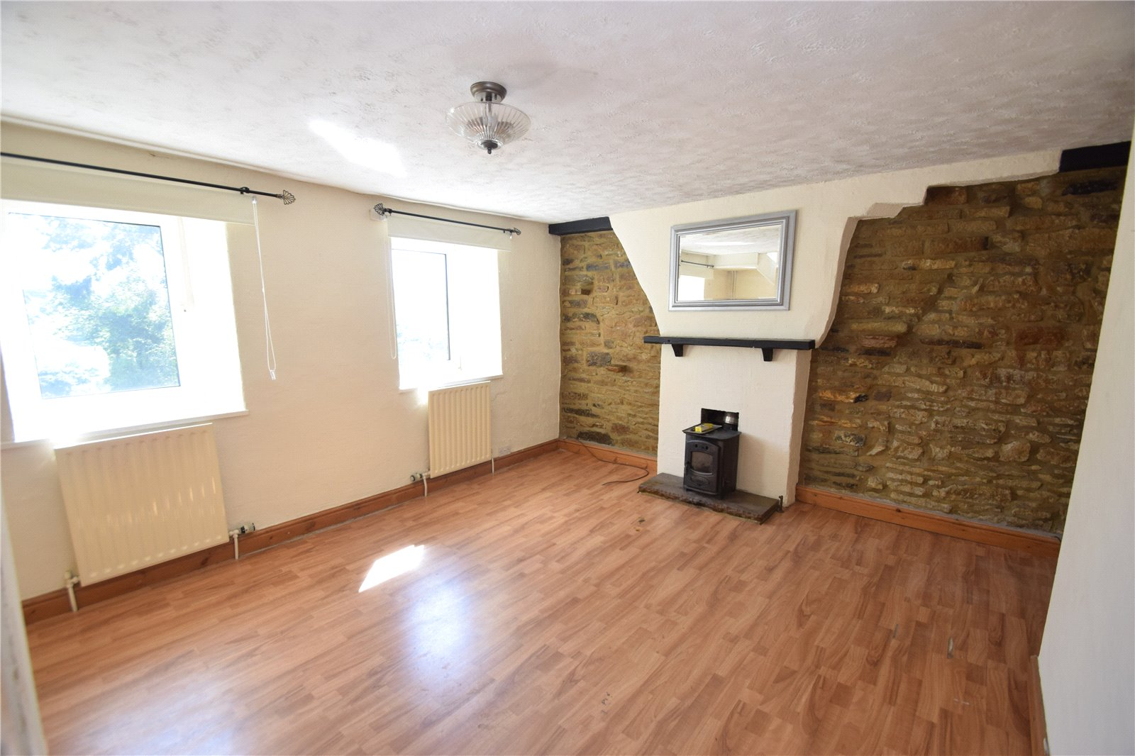Yorkshire Terrace: Whitegates Keighley 2 Bedroom House Let Agreed In Laycock