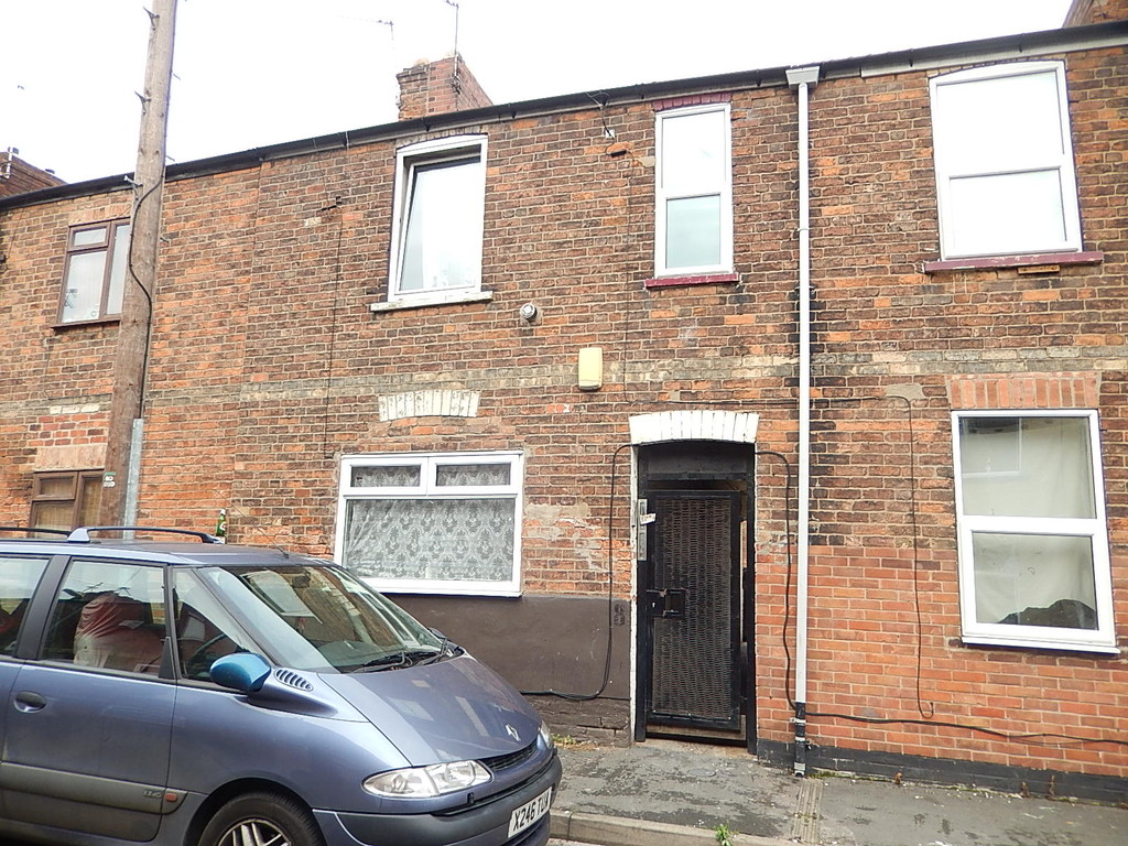 2 Bedrooms Terraced House for sale in High Street, Gainsborough DN21