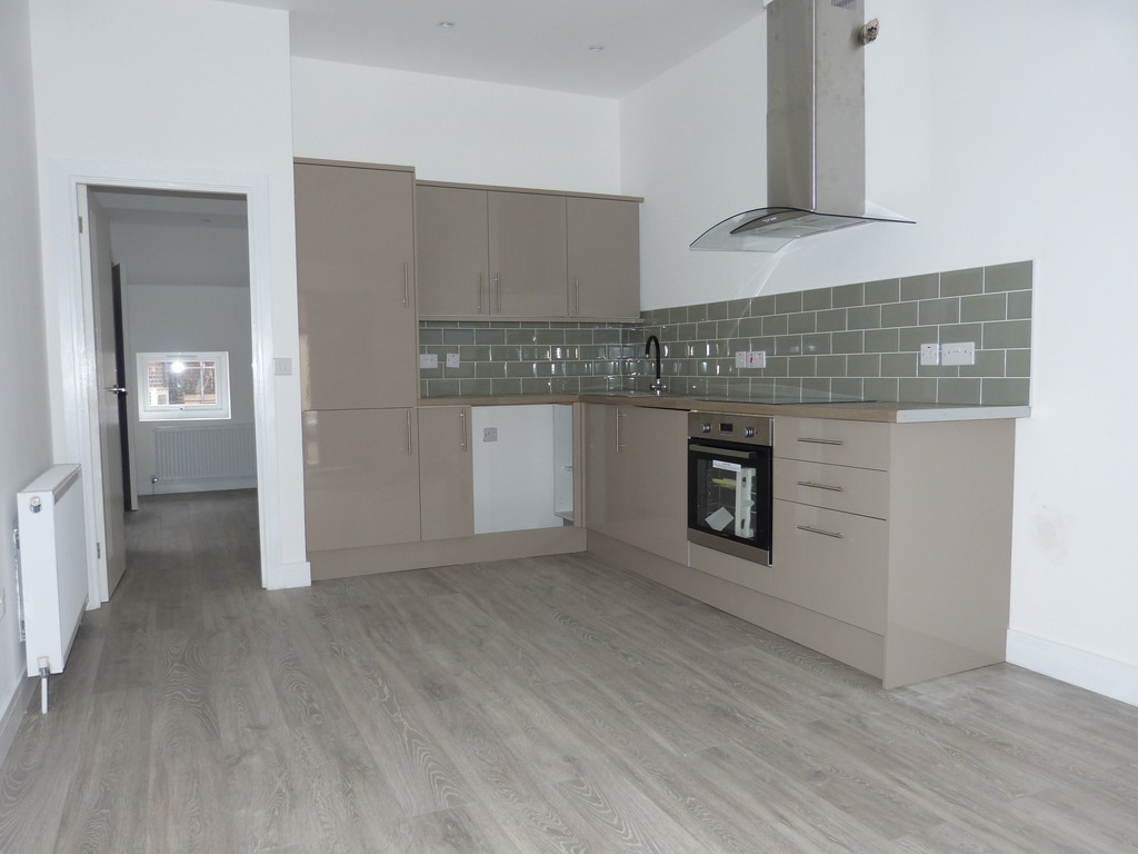 1 Bedroom Flat for sale in Leatherhead KT22