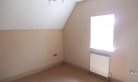 4 bedroom Flat to rent