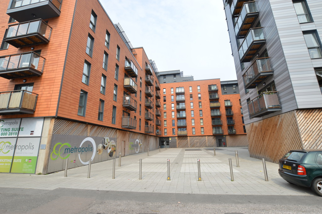 2 Bedrooms Apartment Flat for sale in Railway Terrace, Slough SL2