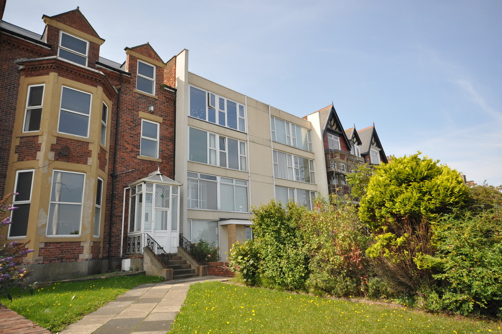2 Bedrooms Apartment Flat for sale in South Cliff, Roker, Sunderland SR6