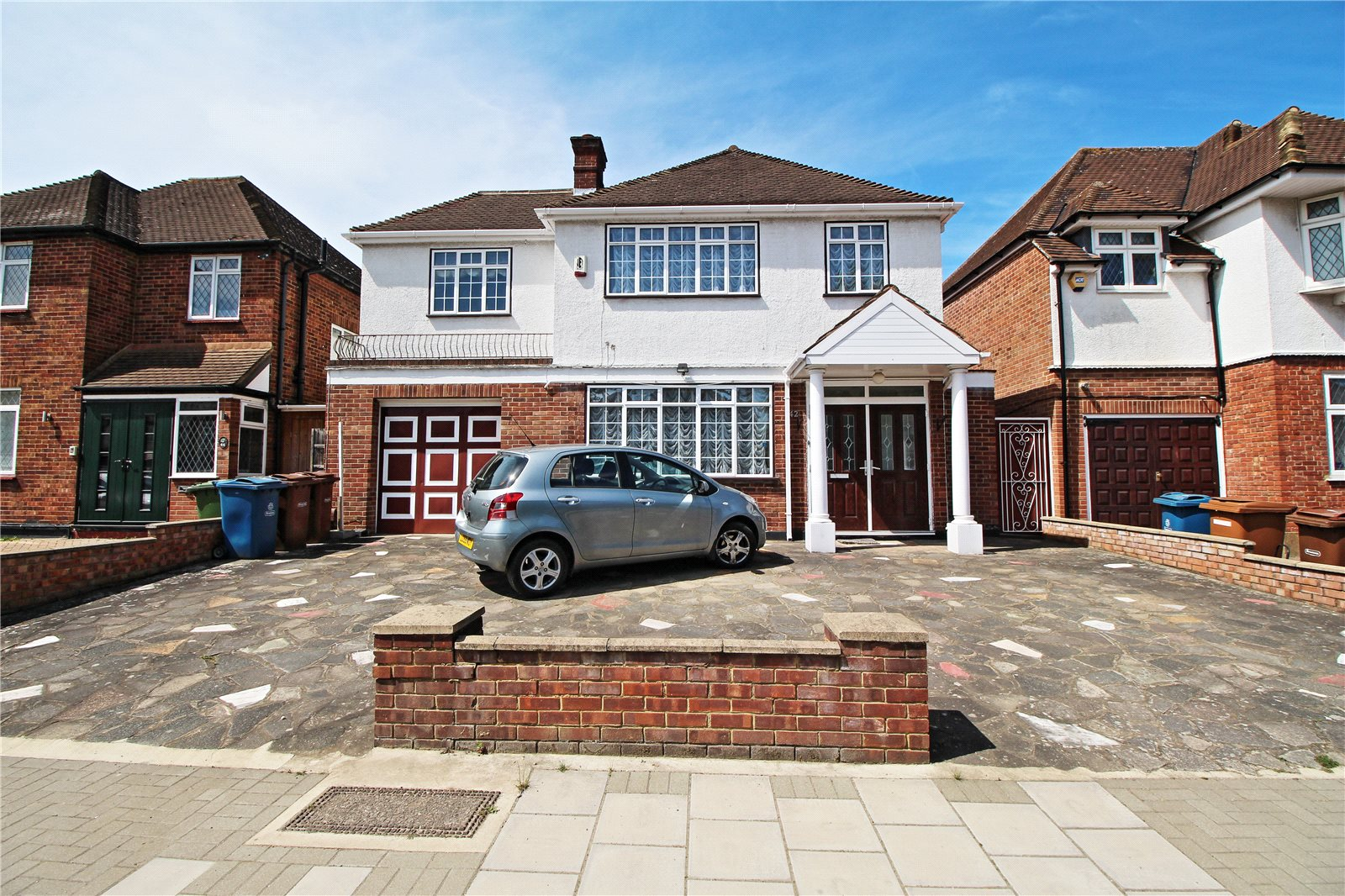 4 Bedrooms Detached House for sale in Dalkeith Grove Stanmore Greater London HA7