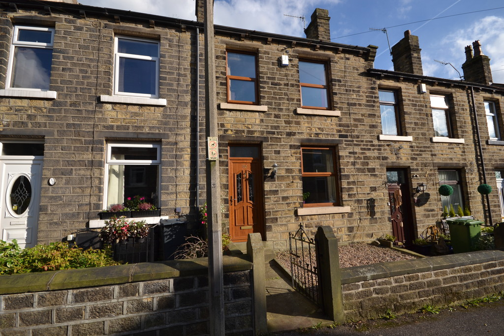 3 Bedrooms Terraced House for sale in Grange Avenue, Marsden, Huddersfield HD7