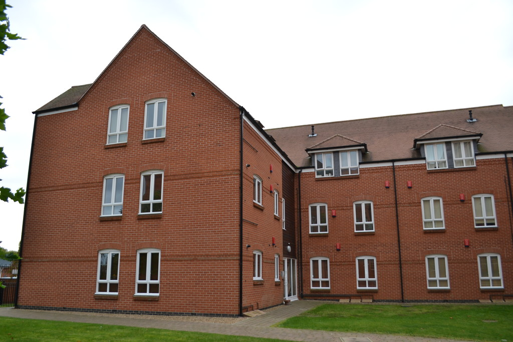 2 Bedrooms Apartment Flat for sale in Newark, The Courtyard NG24