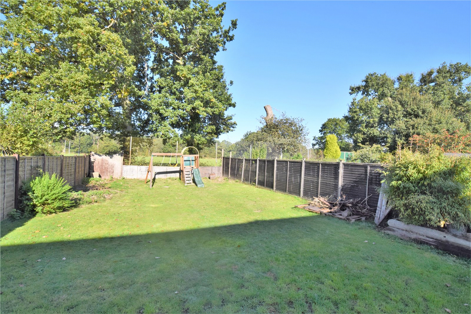 Properties For Sale On Three Firs Way Burghfield Common Reading