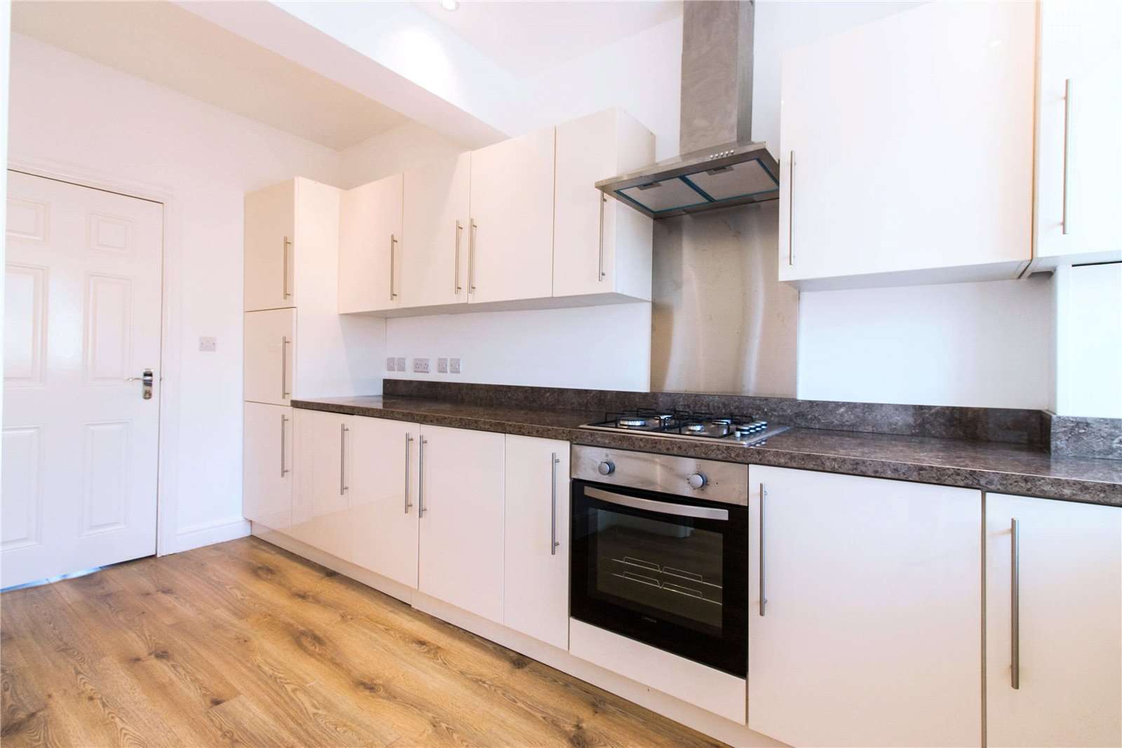 5 Bedrooms Terraced House for sale in St. Ursula Road Southall UB1