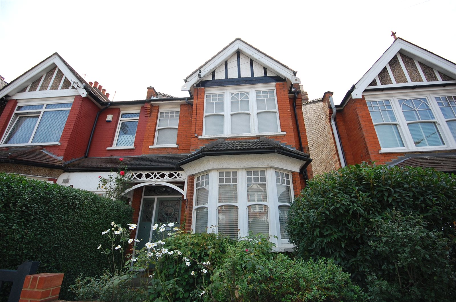 4 Bedrooms Property for sale in Nether Street North Finchley London N12
