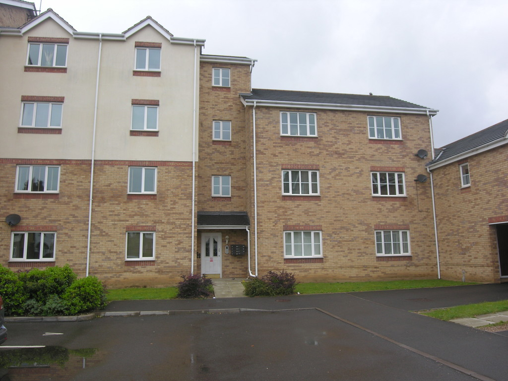 2 Bedrooms Flat for sale in Waterside Court, Titford Road, Oldbury B69