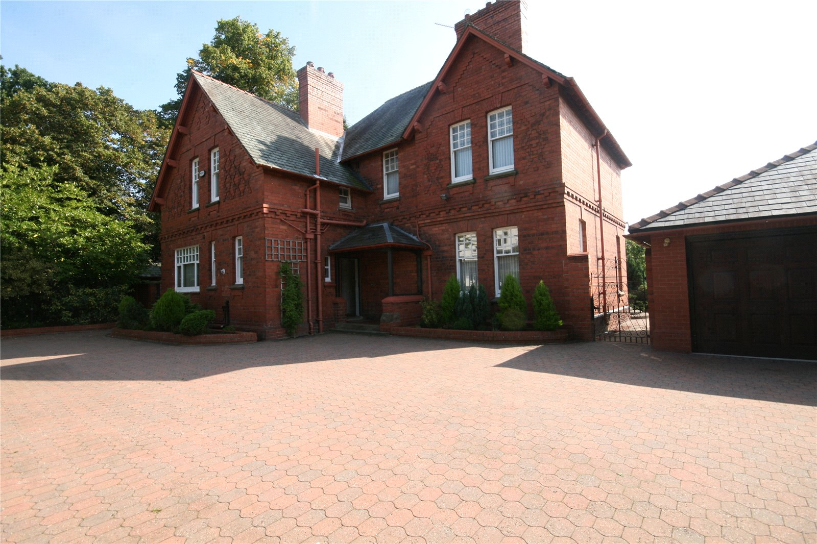 Whitegates Chester 5 Bedroom House For Sale In Hough Green