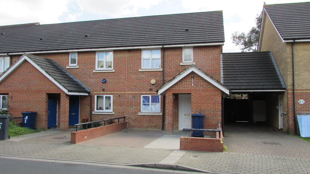 3 Bedrooms Terraced House for sale in Penald Road, Southall, Middlesex UB2