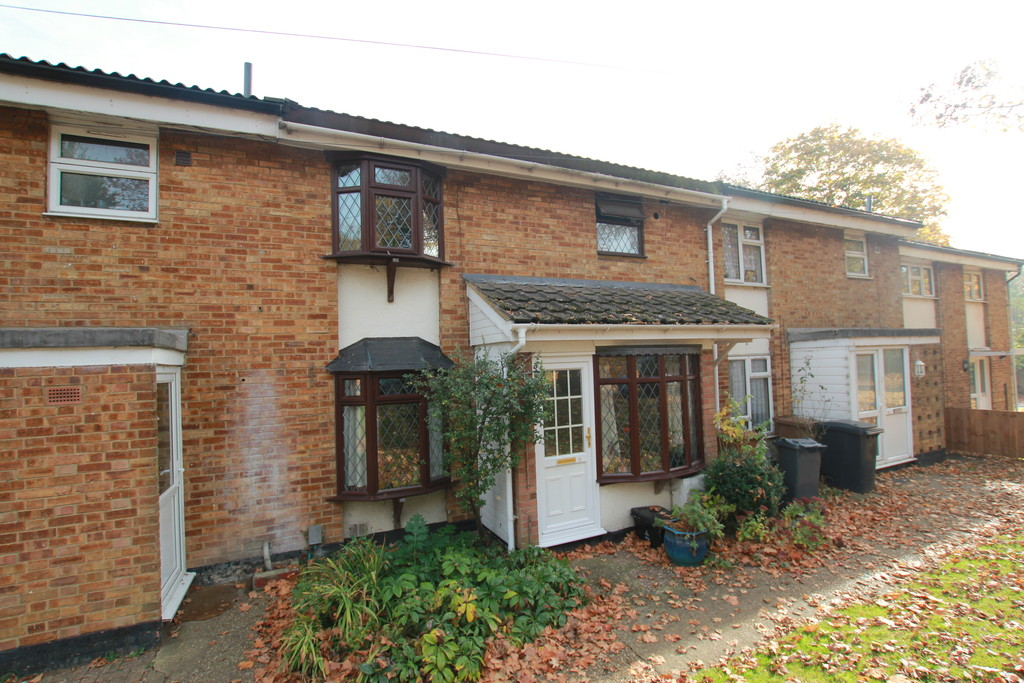 3 Bedrooms Terraced House for sale in Meadow Way, Stevenage SG1