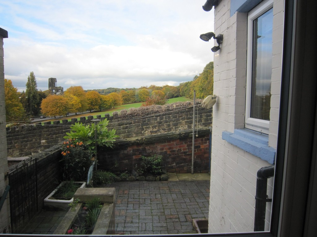 Martin Amp Co Leeds Horsforth 4 Bedroom Terraced House To