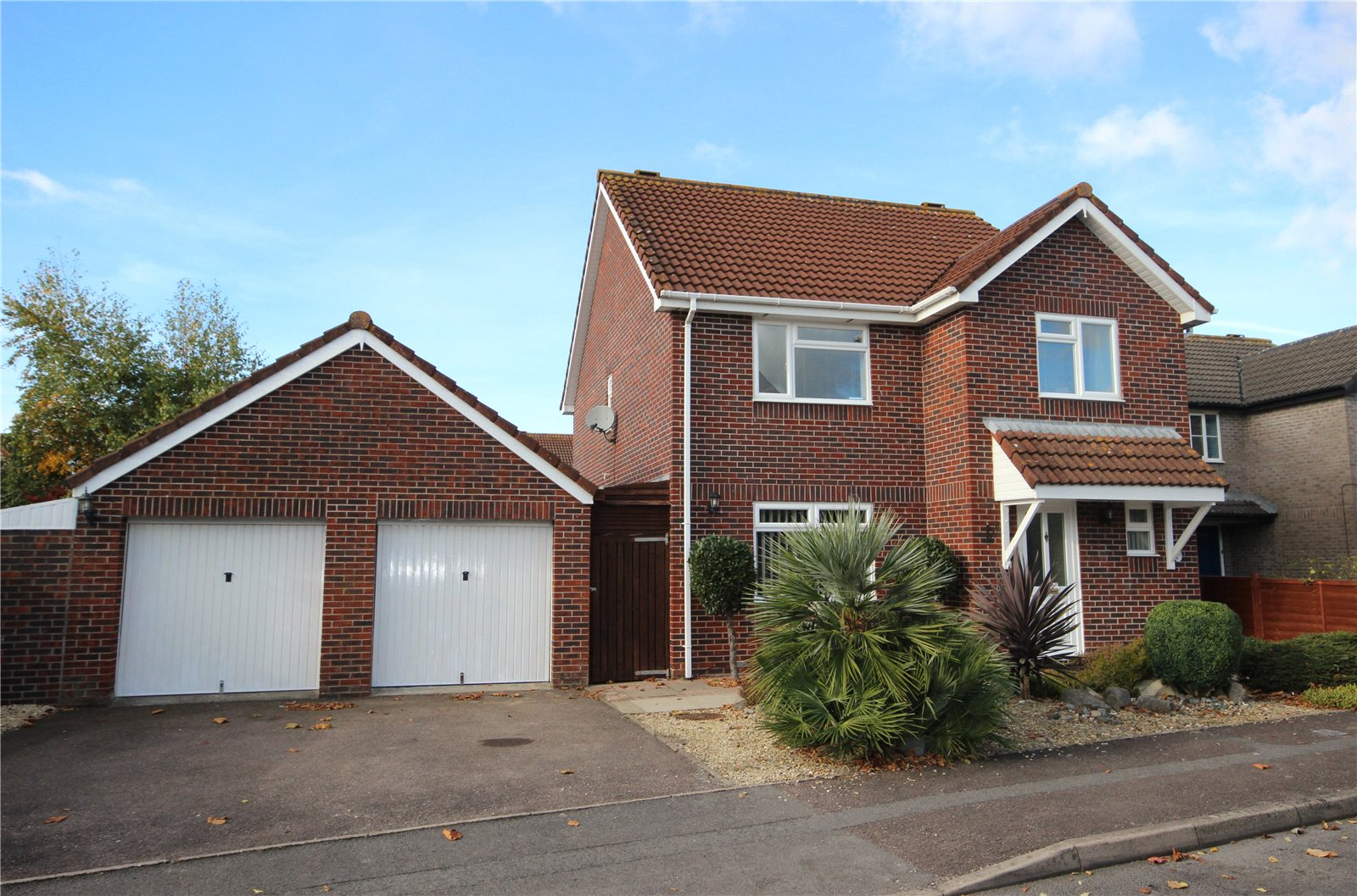 Cj Hole Bradley Stoke 4 Bedroom House For Sale In Foxfield
