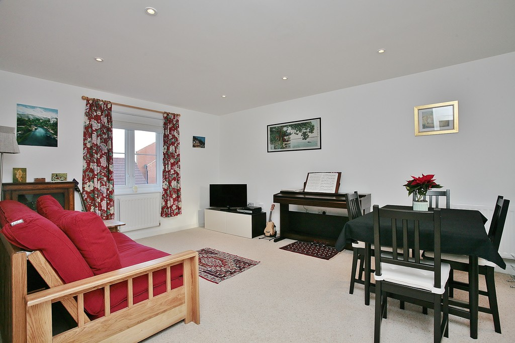 2 Bedrooms Apartment Flat for sale in Turner Drive, Botley OX2