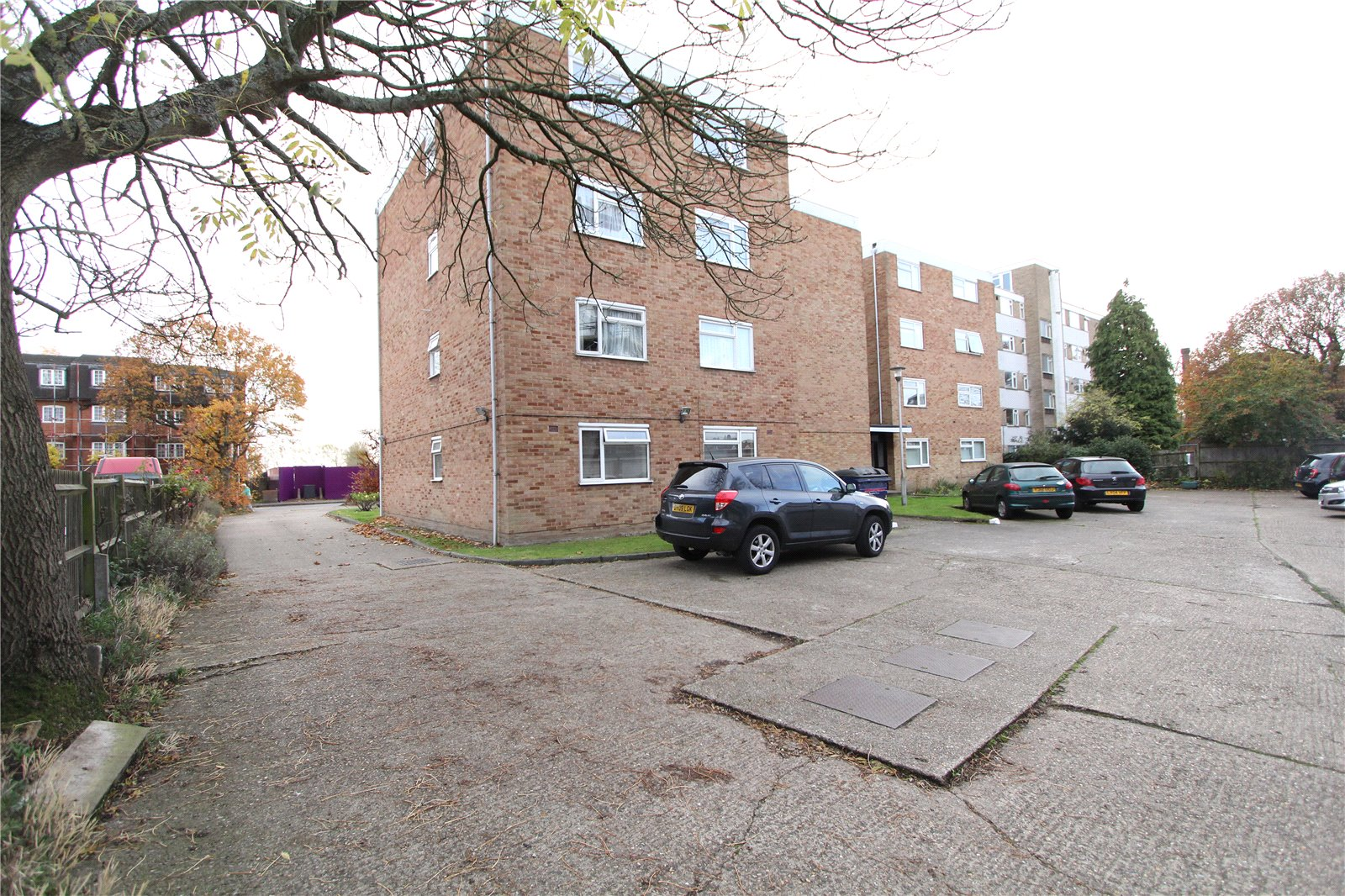 estate agents and letting agents in the uk houses  flats 3 bedroom house for rent in harrow on the hill
