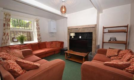 Photo of 6 bedroom Terraced House to rent