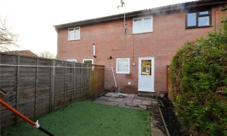 Alderfield Close Theale Reading RG7 Image 10