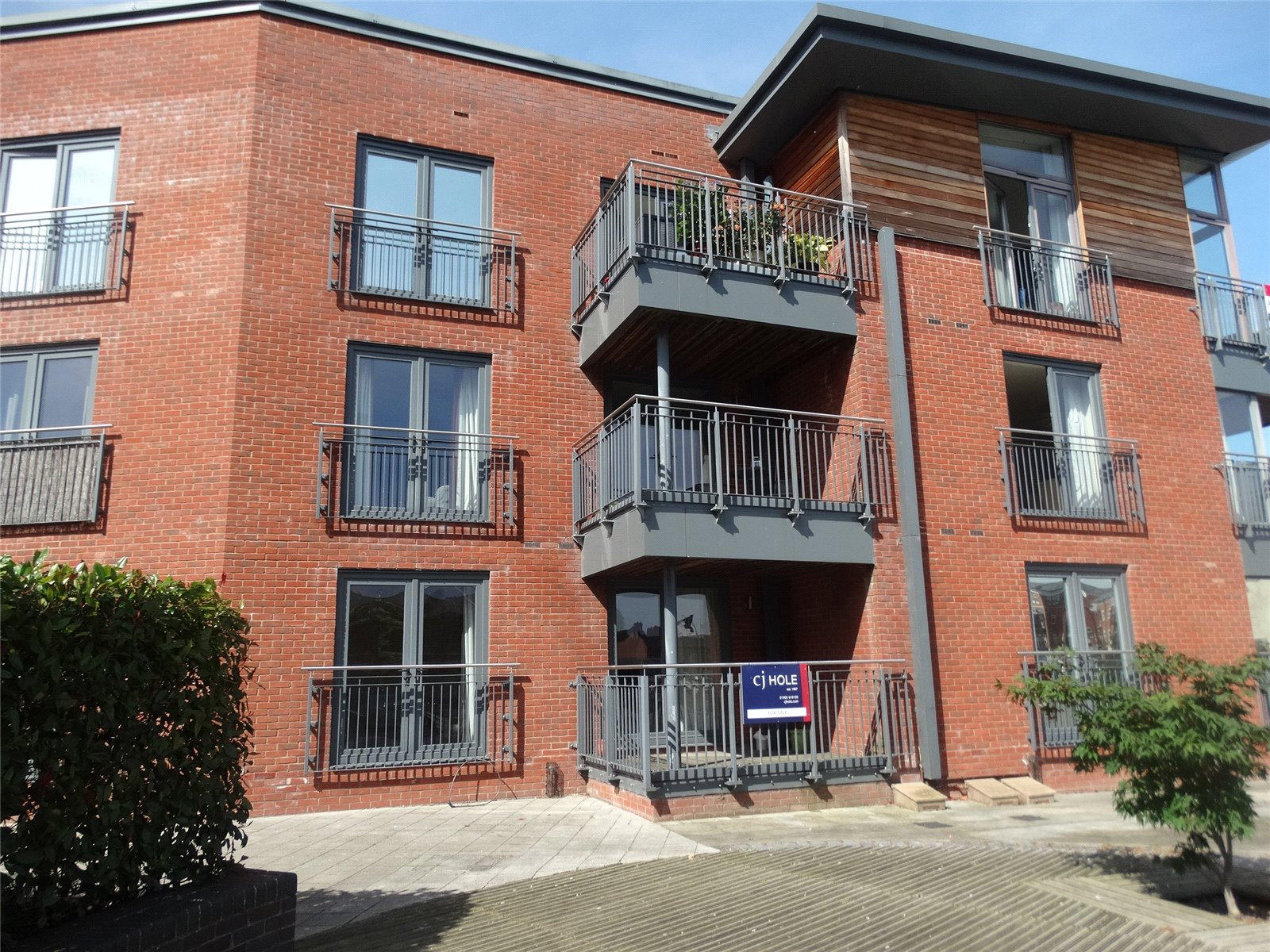 2 Bedrooms Flat for sale in Bevington Court Worcester WR5