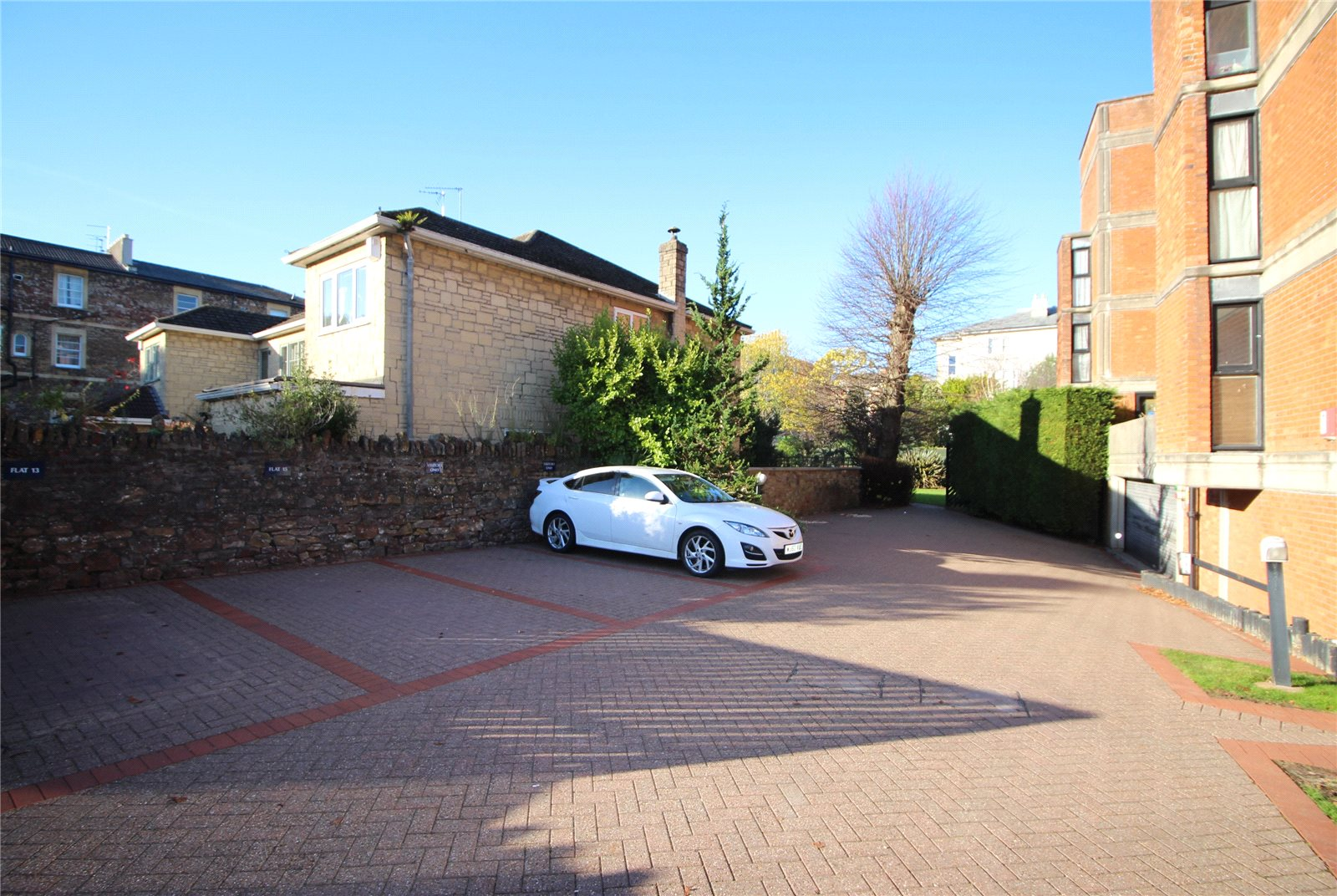 Cj Hole Clifton Old 2 Bedroom Flat For Sale In Shorland