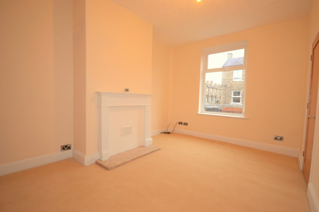 2 Bedrooms Terraced House for sale in Marion Street, Brighouse HD6