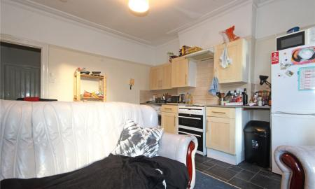 Photo of 4 bedroom Maisonette to rent