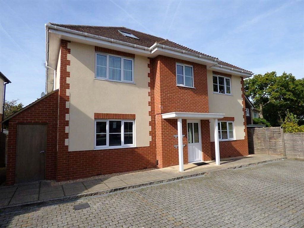 2 Bedrooms Apartment Flat for sale in Oxford Road, Wokingham RG41