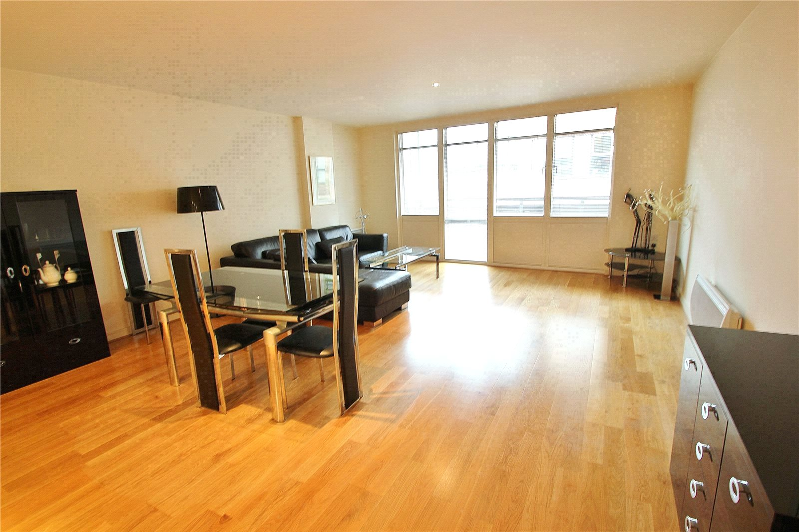 Cj Hole Clifton 2 Bedroom Flat For Sale In Thomas Lane