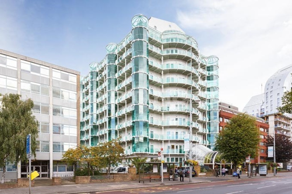 3 Bedrooms Property for sale in Penthouse - Ealing Broadway W5 W5